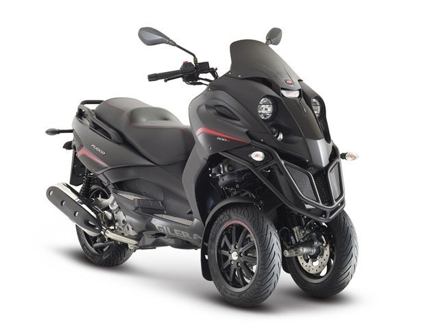 It's back!!! The Gilera Fuoco 500, this time it's an LT (trike)