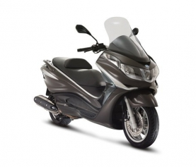 Finally the UK get the Piaggio X10 500 ie